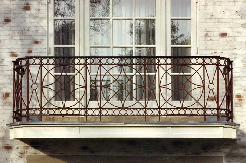 Barn Style Painted Steel Balcony Railings Post Road Iron